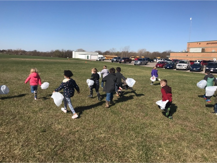 students hunting eggs